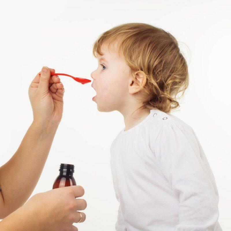 Mengatasi Anak Sulit Minum Obat